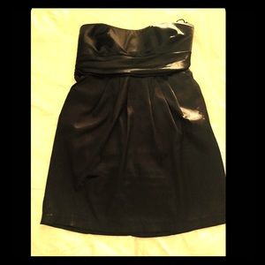 Pretty Black sleeveless formal/semi mini by Toto